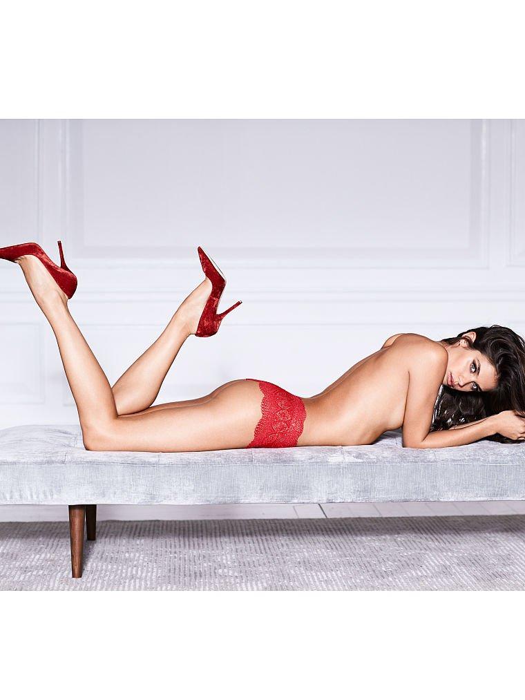 Sara Sampaio (21) | Hot Celebs Home